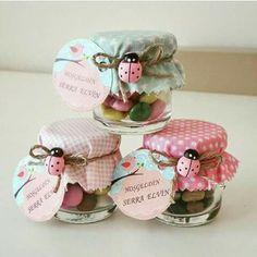 New Baby Shower Recuerdos Frascos Ideas Baby Shower Souvenirs, Baby Shower Favors, Shower Party, Shower Gifts, Jar Crafts, Diy And Crafts, Baby Shawer, Baby Food Jars, Girl Shower