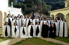 Ceremony and rubric of the Spanish Church - Feminine religious habits - Religious habits