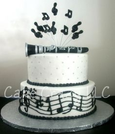 Clarinet By CakeCrazy74 on CakeCentral.com