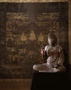 Kartari mudra, le geste du refuge. Le Taima Mandala (à l'arrière plan); l'Amida Nyorai (au premier plan). Paris, musée Guimet