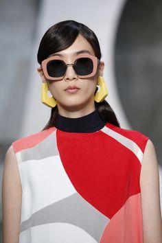 Marni Spring 2016 Ready-to-Wear Collection Photos - Vogue#23#24