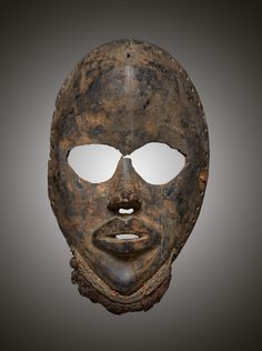 - DAN MASK - Lot 6 - Estimate: €4000 - €6000 - Find all details for this object in our online catalog! Ivory Coast, African Art, Dan, Art Gallery, Auction, Skull, Museum, Artist, Liberia