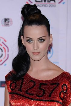 Katy Perry wows with ponytail hairstyle!