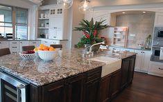 lennon granite on dark island; dark counter and white cabinets Quartz Kitchen Countertops, Granite Kitchen, Kitchen Cabinetry, Kitchen Tops, Kitchen Decor, Kitchen Colors, Kitchen Ideas, Free Kitchen Design, Kitchen Queen