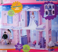 Barbie Grand Hotel with interactive phone by Mattel, 2001 Barbie Doll Set, Barbie Doll House, Beautiful Barbie Dolls, Barbie Dream, Mattel Barbie, Barbie And Ken, Vintage Barbie, Vintage Dolls, Disney Characters Costumes