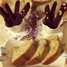 Double chocolate pistachio biscotti (paleo&vegan) from @paleospirit and poppyseed lemon cake from me @direnkurabiye