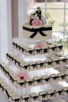 Petit Fours from Marsells Cakes & Desserts - App. Petit Fours from Marsells Cakes & Desserts – Apple Brides Cake Trend! Petit Fours from Marsells Cakes & Desserts Beautiful Wedding Cakes, Beautiful Cakes, Dream Wedding, Crazy Wedding, Mini Cakes, Cupcake Cakes, Wedding Desserts, Wedding Decorations, Wedding Ideas