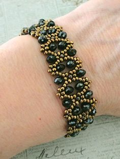 Linda's Crafty Inspirations: Bobble Bangle & Cipollotti Earrings Set - Jet Hematite
