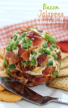 Bacon Jalapeno Cheese Ball - This is perfect for a Sunday Football snack or just a get-together with friends! Enjoy this tasty goodness! Finger Food Appetizers, Yummy Appetizers, Appetizer Recipes, Dip Recipes, Appetizer Ideas, Bacon Recipes, Dinner Recipes, Great Recipes, Favorite Recipes