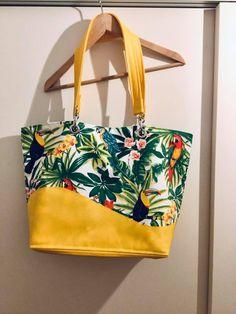 Sac Samba jaune et tissu tropical cousu par Nathalie - Patron Sacôtin