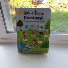 Learn to be a Mom: Say & Pray Devotions First words, Stories, and Prayers One Word, Learning To Be, Gift Guide, Giveaway, Balloons, Prayers, Mom, Sayings, Words
