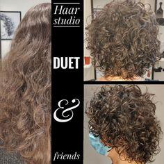 Voor na, before after, krullenknippen. Krullen geknipt bij krullenkapper Haarstudio DUET & friends te Hengelo. hairstyles. Dit is natuurlijk krullend haar, geen permanent en NIET geknipt met de curl.sys. knipmethode, het model is geknipt door krullenkapper, krullenspecialist, allround hairstylist, Marjan van Haarstudio Duet & friends in Hengelo. www.haarstudioduet-friends.nl #krullenspecialist #krullenkapper #krullen #krul #knippen #krullenknippen #krulknippen #curl Curls, Dreadlocks, Studio, Hair Styles, Beauty, Hair Plait Styles, Hair Makeup, Studios, Hairdos