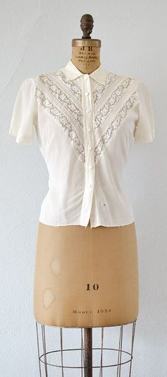 vintage 1940s cream lace panels blouse | A Good Wish Blouse #vintage #1940s #lacepanel