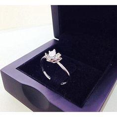 Flower Engagement Ring -14K White Gold Diamond Engagement Ring ,Flower... ($600) ❤ liked on Polyvore featuring jewelry, rings, white gold diamond rings, diamond cocktail rings, wedding rings, flower diamond ring and flower engagement ring