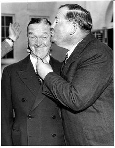 Laurel and Hardy Magazine Interview Magazine With Laurel and Hardy and Hardy Comedy Team Interviewed 1930 Laurel And Hardy, Stan Laurel Oliver Hardy, Great Comedies, Classic Comedies, Classic Films, Classic Tv, Hollywood Stars, Classic Hollywood, Old Hollywood