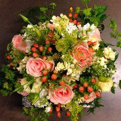 Bridal bouquet. By, Graciel. www.instagram.com/thesoulinbloom