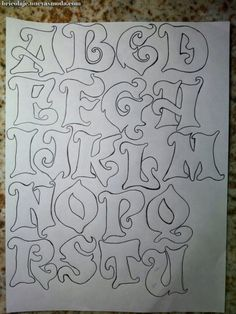 Pintura by Prika Reis Artesanato. Graffiti Lettering Alphabet, Tattoo Fonts Alphabet, Tattoo Lettering Fonts, Hand Lettering Alphabet, Doodle Lettering, Creative Lettering, Lettering Styles, Alfabeto Graffiti, Fonte Alphabet