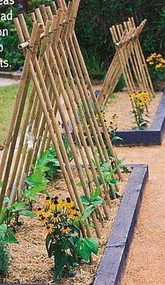 24 Easy DIY Garden Trellis Ideas & Plant Structures – A Piece of Rainbow - New ideas Backyard Vegetable Gardens, Potager Garden, Veg Garden, Vegetable Garden Design, Garden Cottage, Garden Trellis, Garden Beds, Outdoor Gardens, Small Gardens
