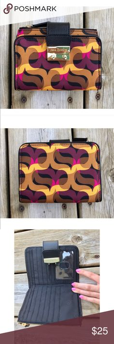 🌟 MUST GO 🌟 Vera Bradley wallet NWOT, so pretty and lots of room for cards! 💗 Vera Bradley Bags Wallets