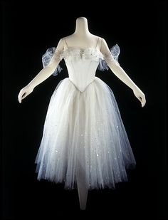 Costume for Giselle in Act II worn by Alicia Markova, 1953