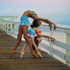Believe it or not, you can beat the blues with yoga! Yoga is a great mood enhancer that requires no drugs or medications. Dance Photography Poses, Gymnastics Photography, Dance Poses, Black Dancers, Ballet Dancers, Ballerinas, Partner Yoga, Flexibility Dance, Dance Photo Shoot