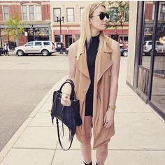 visit astylebreeze.com to find out styling tips on how to wear this trench coat all year round!