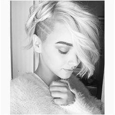 @sunrise0avenue Shaved Pixie Cut, Shaved Hair, Undercut Hairstyles, Pretty Hairstyles, Hair Inspo, Hair Inspiration, Badass Haircut, Shaved Sides, Hair Today