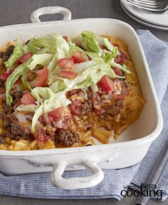 What& it be tonight: cheesy macaroni or a taco bake? Choose both! This dish starts with KRAFT DINNER mac and cheese, making it a cinch to prepare. Mexican Food Recipes, Beef Recipes, Chicken Recipes, Cooking Recipes, Ethnic Recipes, What's Cooking, Mexican Dishes, Family Recipes, Cheese Recipes