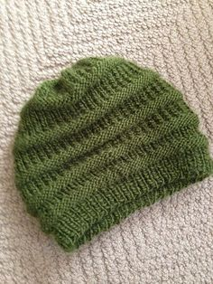 Easy Knit Slouchy Beanie by Siobhan McRee {free}