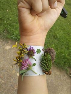 Make a Nature Duck Tape Bracelet
