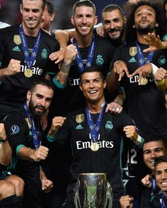 World Best Football Player, Real Madrid Football Club, Real Madrid Players, Best Football Team, Football Players, Ronaldo Real Madrid, Real Madrid Time, Real Mardid, Marcelo Real
