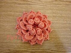 كروشيه ورده #٦ - YouTube Crochet Flowers, Crochet Projects, Lana, Crocheting, Knit Crochet, Diy And Crafts, Crochet Necklace, Projects To Try, Crochet Patterns