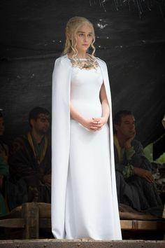 [Season 5] Daenerys' dress in episode 7 was absolutely fabulous. #GOT #fashion