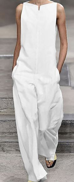 now>>Pockets Solid Sleeveless Holiday Jumpsuits Shop now>>Pockets Solid Sleeveless Holiday Jumpsuits Mode Chic, Mode Style, Mode Outfits, Fashion Outfits, Womens Fashion, White Fashion, Look Fashion, Street Fashion, Summer Outfits