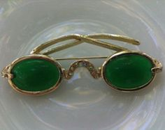 The Shiels Jewellers Emerald sunglasses is probably the only pair of sunglasses on this list not meant to be worn. The emerald lenses used took over 5 years to acquire, shape and cut. The solid gold frame is covered with finely cut diamonds. With a price tag of $250,000 CAD, you definitely don't want to be caught off guard in public wearing these glasses.