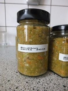 Inmaak -Bouillonpasta potje Canning Soup, Canning Recipes, Soup Recipes, Vegetarian Recipes, Healthy Recipes, Paleo Soup, Foods To Eat, Diy Food, Food Hacks