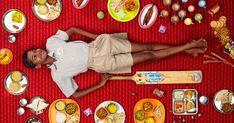 En lo más fffres.co: Daily Bread, un diario fotográfico de la alimentación alrededor del mundo: Gregg Segal retrata lo que comemos en todos…