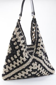 Geometric two tones hobo bag - | Crochet