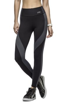 Compress Fit tight makes us wanna start running right away! Its amazing compression makes the body amazing and treats your skin for the perfect workout.