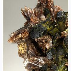 Axinite-(Mn), Epidote, Canta, Canta Province, Lima, Peru. Size 9.3 x 7.8 x 5.5 cm