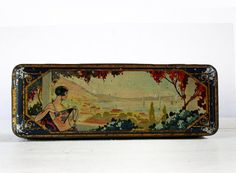 ART DECO WOMAN Beautiful Old  french Lithographed Tin Box  1920 - Shabby chic -