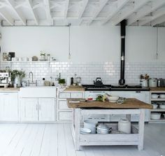 natural modern interiors: Kitchen design ideas :: Recycled & second-hand kitchens