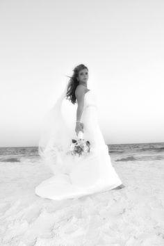 Amazing beach bride! www.destinforlovebeachweddings.com 850-803-0648