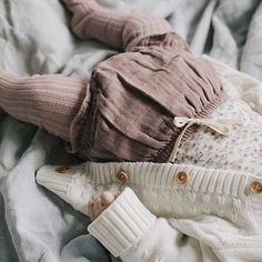 How gorgeous is this little outfit? organic bloomers, tights and a sweet milk cable cardi 🙊 Shop the beautiful Jamie Kay Songbird collection online now ✨ Still a few lovely pieces left! Baby Outfits, Kids Outfits, Baby Girl Fashion, Kids Fashion, My Bebe, Lookbook, Baby Wearing, Baby Love, Cute Babies