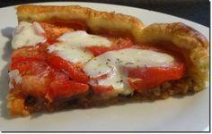 Tarte pissaladière à la tomate et à la mozzarella