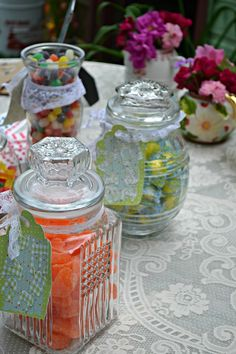 How to plan a budget friendly DIY candy buffet