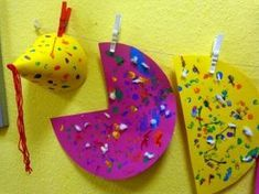 We make carnival hats in the crib- Wir basteln in der Krippe Fasching Hüte We make carnival hats in the crib - Fall Crafts For Toddlers, Winter Crafts For Kids, Toddler Crafts, Preschool Crafts, Diy For Kids, Fun Crafts, Diy And Crafts, Carnival Crafts, Carnival Decorations