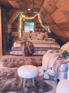 Such a good idea for a little guest bedroom if your attic is actually livable