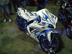 CBR Yamaha Motorbikes, Yamaha Sport, Custom Sport Bikes, Sportbikes, Hot Bikes, Cbr, Bike Life, Custom Paint, Golf Bags