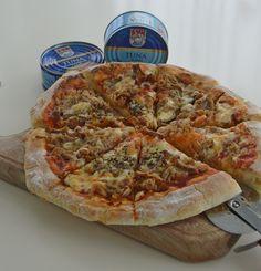 Mod de preparare pizza de casa Ketchup, Mozzarella, Vegetable Pizza, Quiche, Favorite Recipes, Vegetables, Breakfast, Food, Home